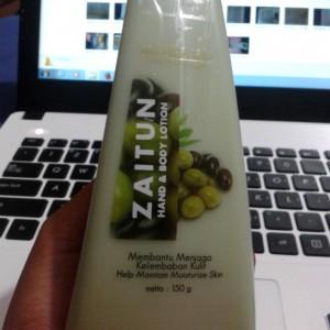gambar review ke-4 untuk Mustika Ratu Zaitun Hand Body Lotion
