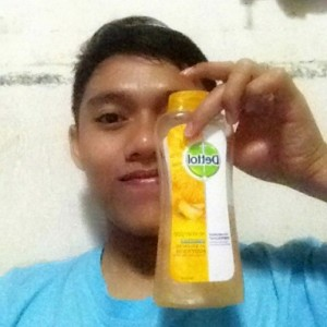 gambar review ke-1 untuk Dettol pH Balance Body Wash Sensasi Jeruk Mandarin