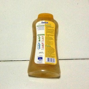 gambar review ke-2 untuk Dettol pH Balance Body Wash Sensasi Jeruk Mandarin