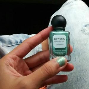 gambar review ke-1 untuk Revlon Parfumerie Wintermint